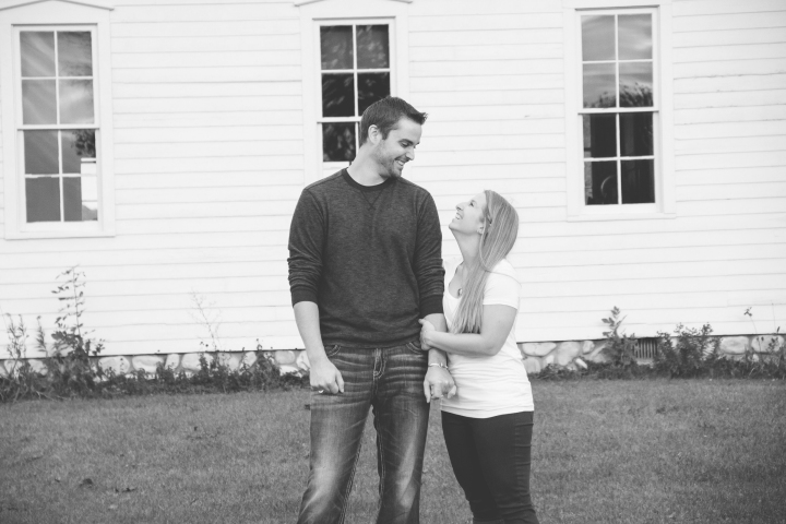Allen-Hovey_Engagement_Frankenmuth_Blog_01