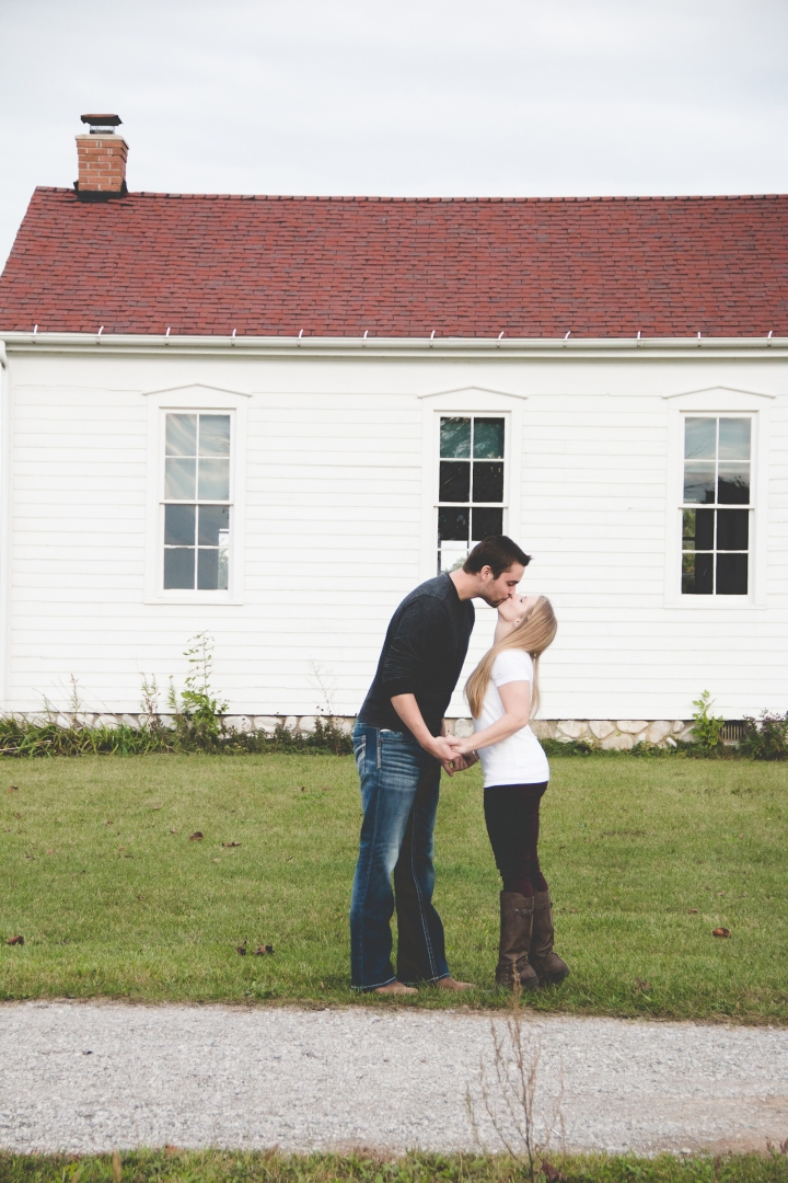 Allen-Hovey_Engagement_Frankenmuth_Blog_02